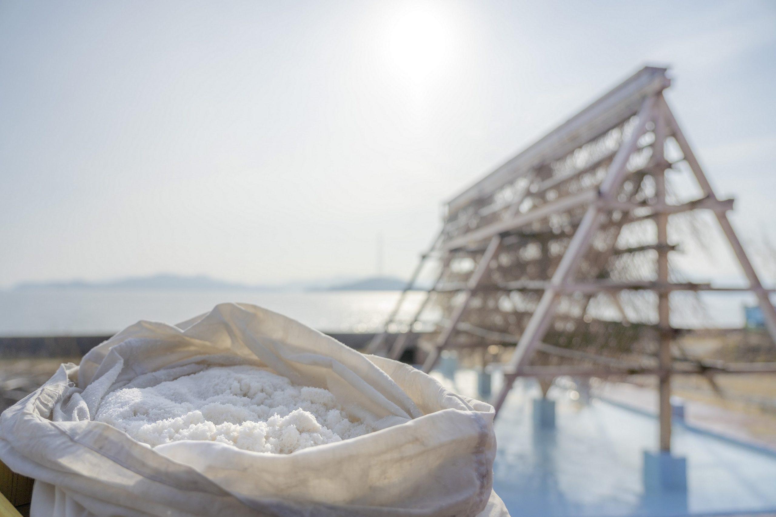 製塩で栄えた竹原で塩づくり体験